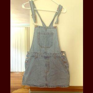 Forever 21 Overall Skirt Light Wash! never worn